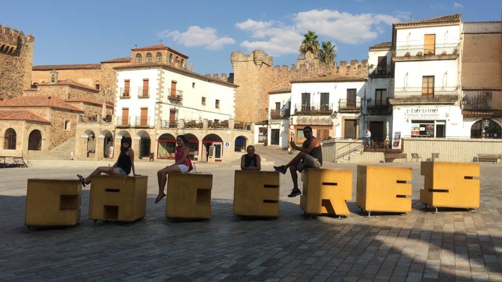 Plaza Mayor de Caceres - Roteiro na Mão
